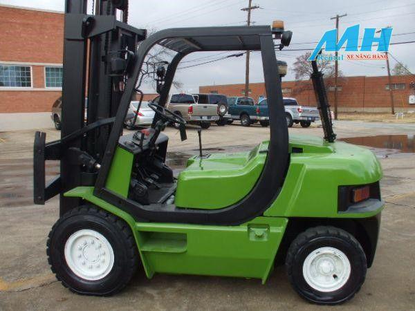 Xe nâng hàng clark, xe nâng clark thiết kế nhỏ gọn, dễ sử dụng