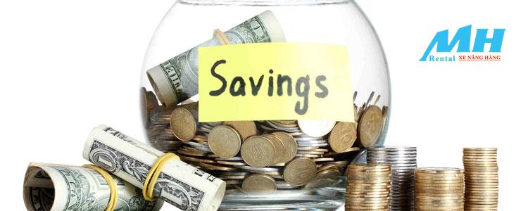 Xe nâng hàng giúp tiết kiệm chi phí hiệu quả